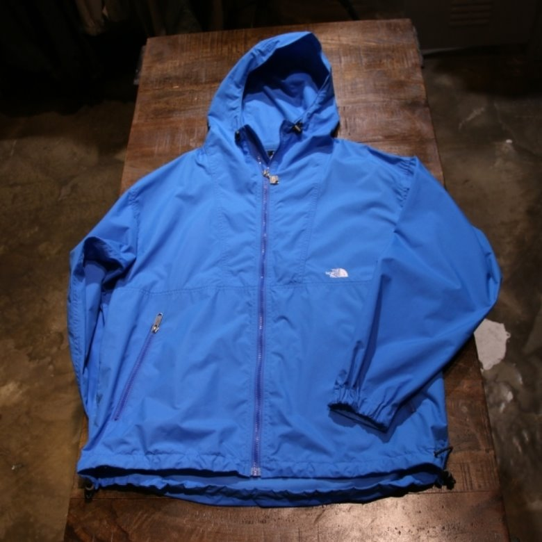 the north face compact jacket (L)